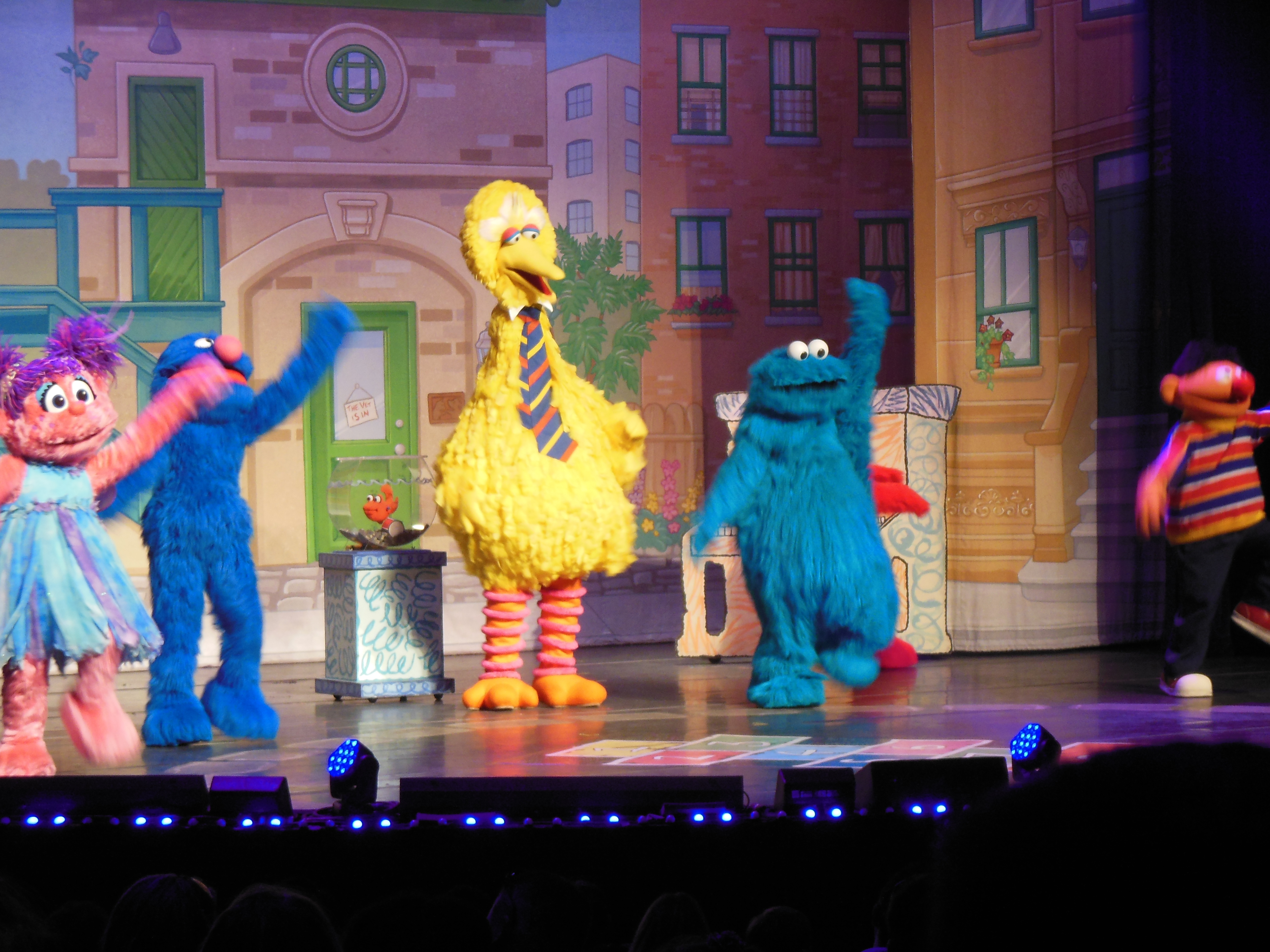 Sesame Street Live! Elmo Makes Music