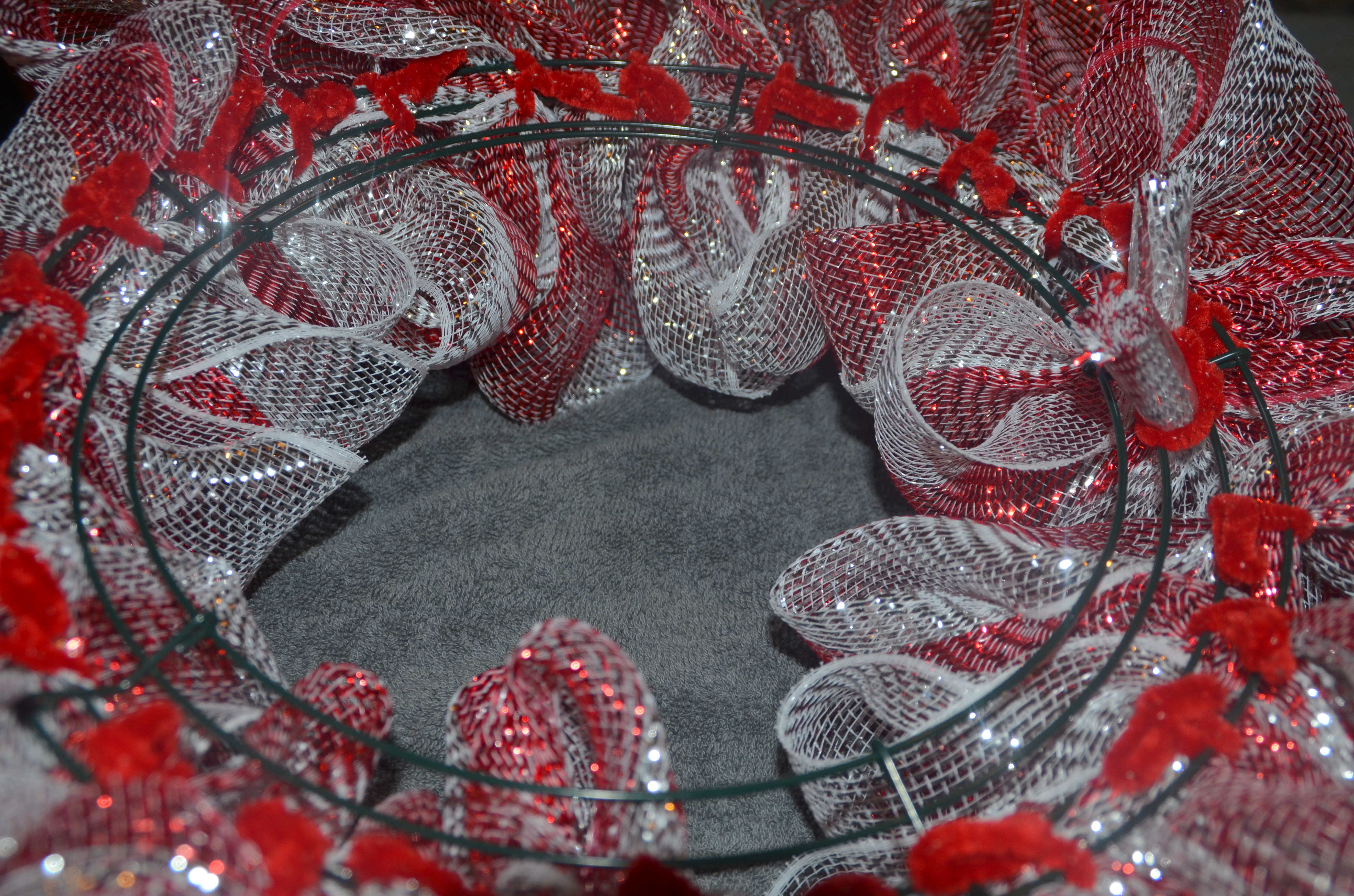 Deco mesh christmas wreath tutorial donnahup deco mesh christmas wreath tutorial baditri Images