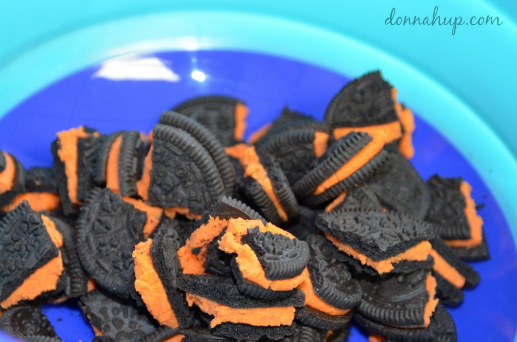 Monster Mash Recipe #recipe #halloween #snackmix #fall #autumn #oreos #candycorns donnahup