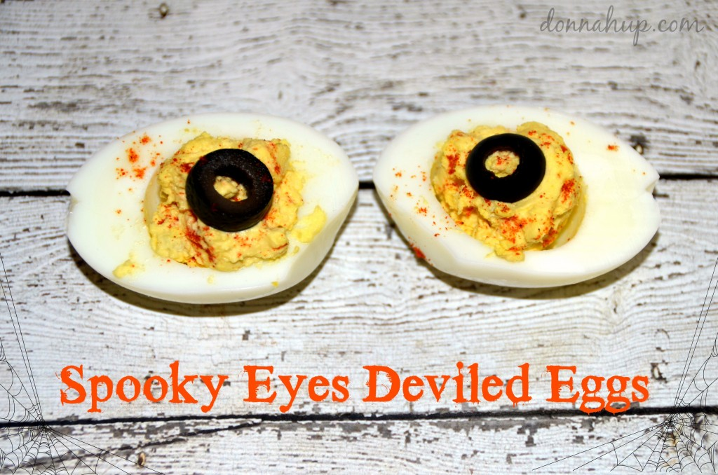 Healthy Halloween Treats #lowcarb #LCHF #planz Spooktacular Apple Dentures Spooky Eyes Deviled Eggs #recipe