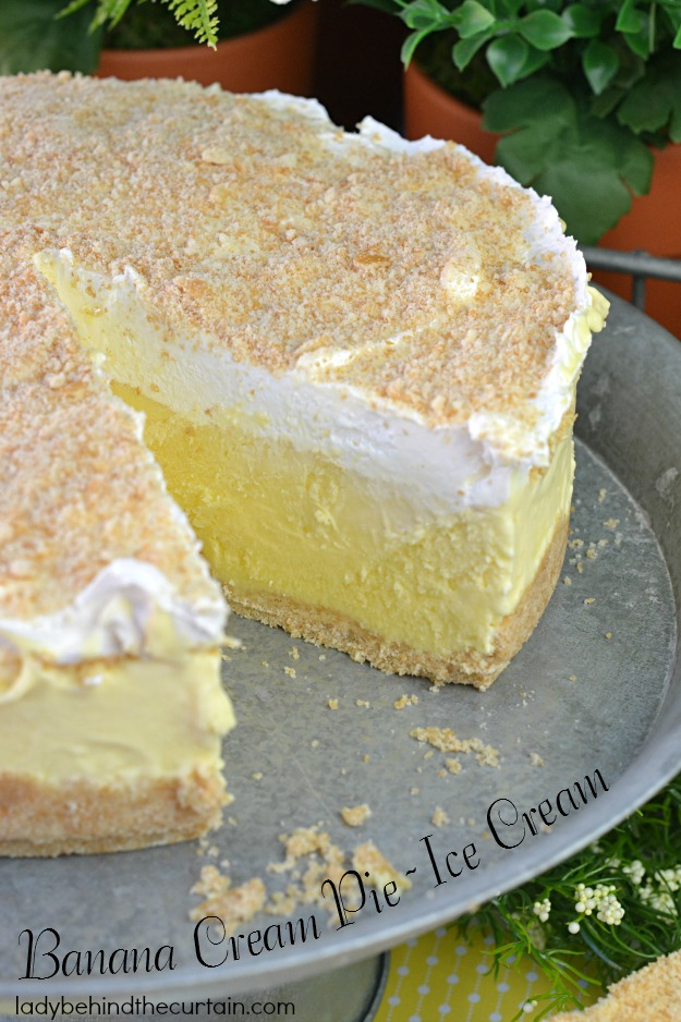 Banana-Cream-Pie-Ice-Cream-Lady-Behind-The-Curtain-1
