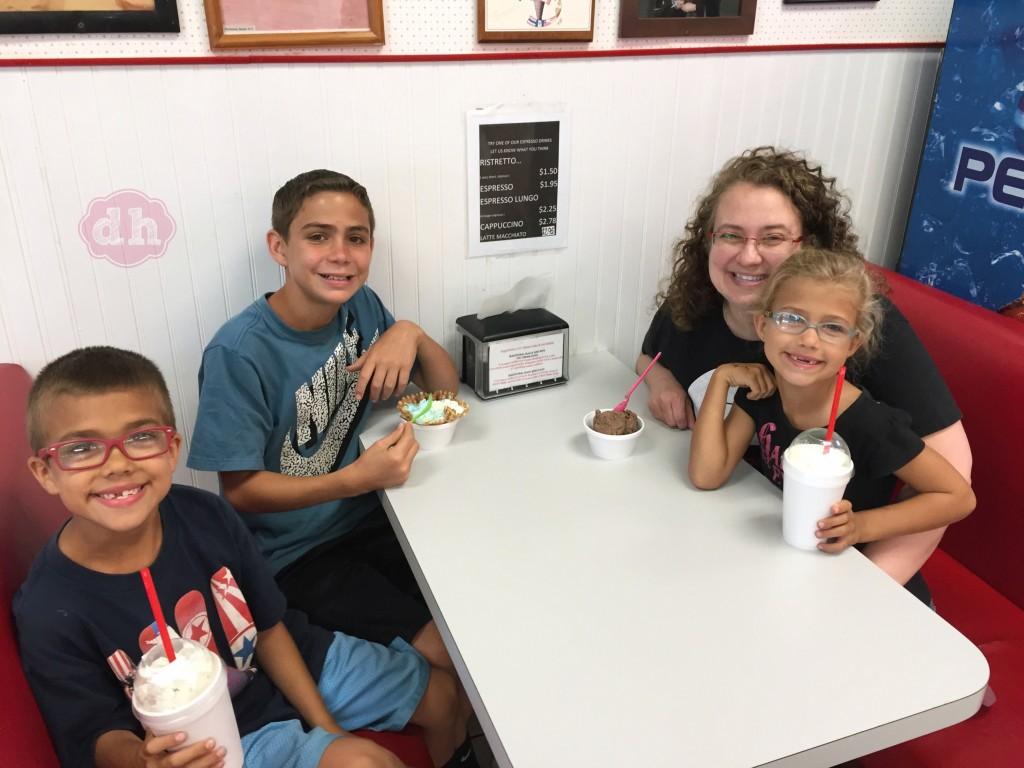 Family Fun at Larry's Ice Cream & Yogurt #travel #food #icecream