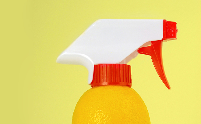 8 Ways to Clean with Lemons