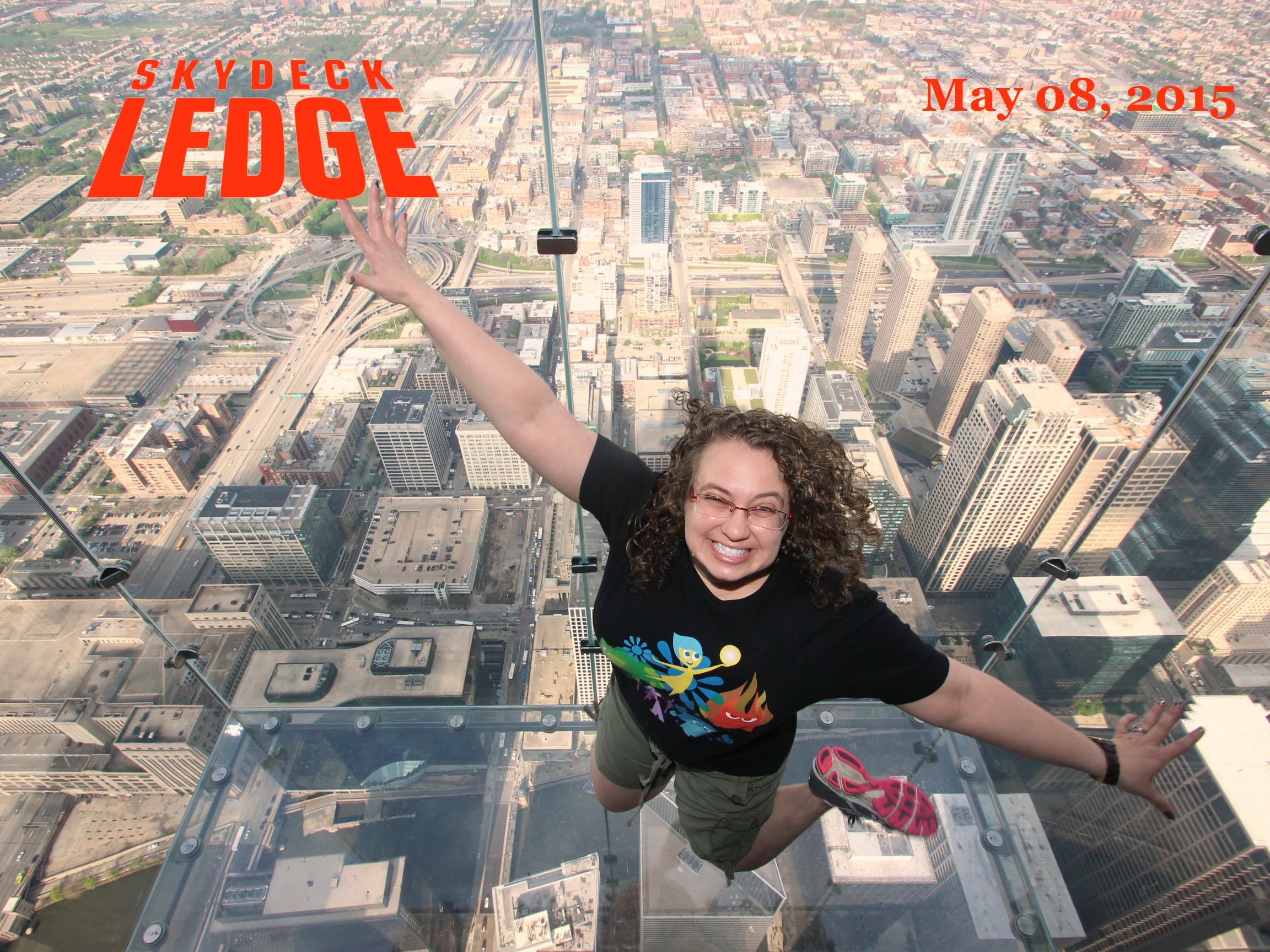 I'm on Top of the World Looking Down on Chicago - My Visit to the Skydeck Ledge
