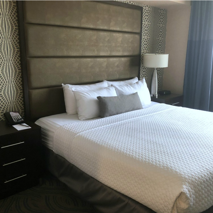 Crowne Plaza Aire in Minneapolis