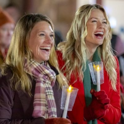 "Hallmark Movies & Mysteries ""Return to Christmas Creek"" Premiering this Saturday, Nov 17th at 9pm/8c! #MiraclesofChristmas"